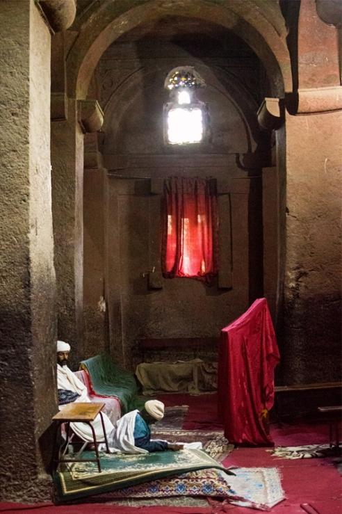 Gebete - Prayers, Rock-Hewn Church of Bete Medhane Alem, Lalibela, Ethiopia