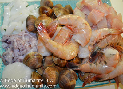 Fresh Seafood: calamari, scallops, small clams, mahi-mahi and shrimp.