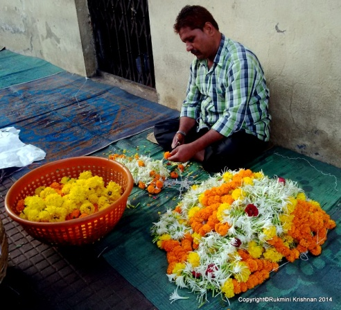 Flower seller  - Jambli Naka, Thane, Mumbai, India.