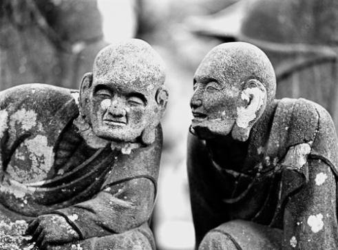 Gohyaku Rakan — Gossiping monks