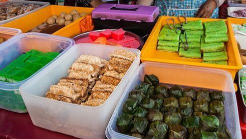 More 'kuih' a variety of bite-sized delights. Ramadan bazaar at Semenyih Sentral, Selangor, Malaysia