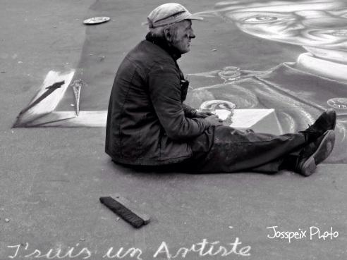 The street painter - Place du Palais Royal