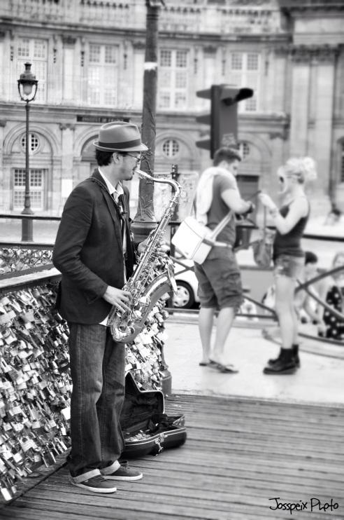 The saxophonist - Pont des Arts