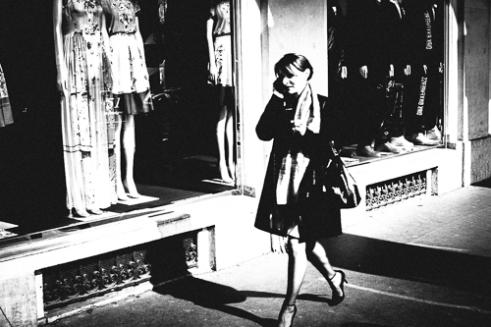 """Working Girl"" Rue de Rivoli - Paris"