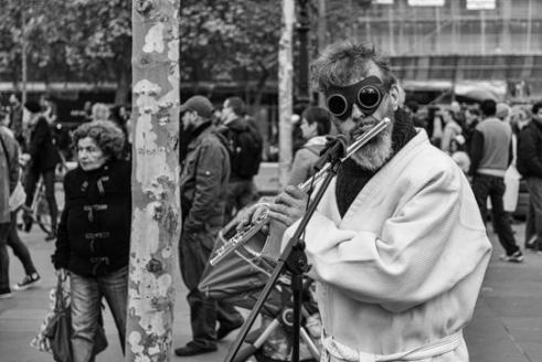 Masked musician (Paris place de la République)