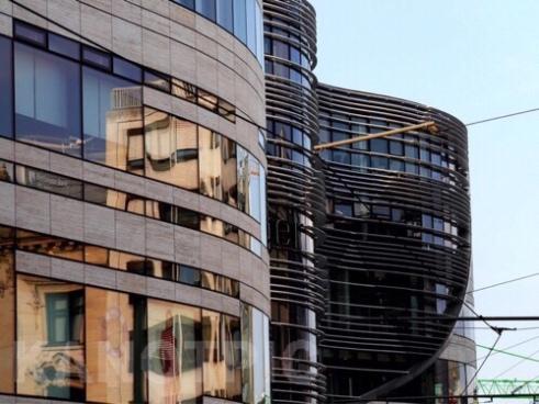 Golden curves, Köbogen Building designed by Daniel Libeskind Düsseldorf Germany