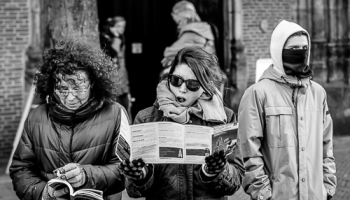 street photography essay brussels edge of humanity b w street photography essay