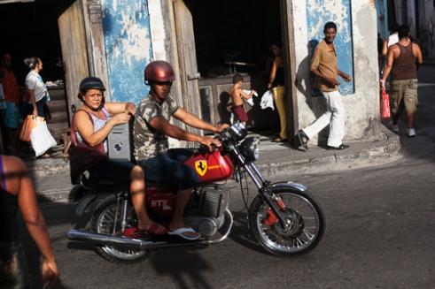 Daily life in a central street in Santiago de Cuba
