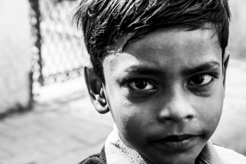 Kid in the street of New Delhi - New Delhi, India