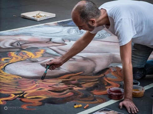 Artist at work Via del Corso, Rome