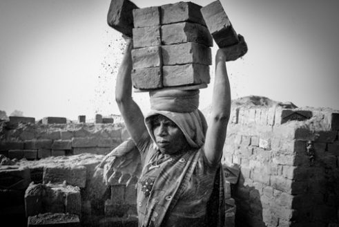 Anja_Bruehling_Brick_Workers-1