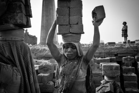 Anja_Bruehling_Brick_Workers-6