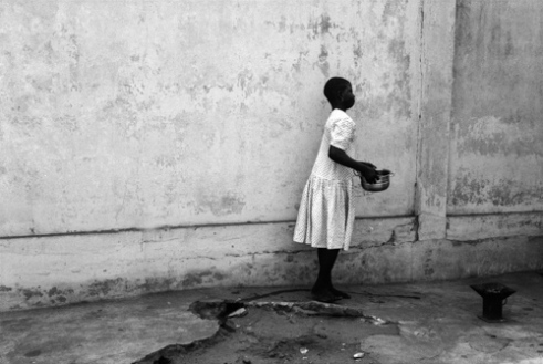 At the stove In Togo, in 2010, 58% of children between 5 and 17 were economically active.