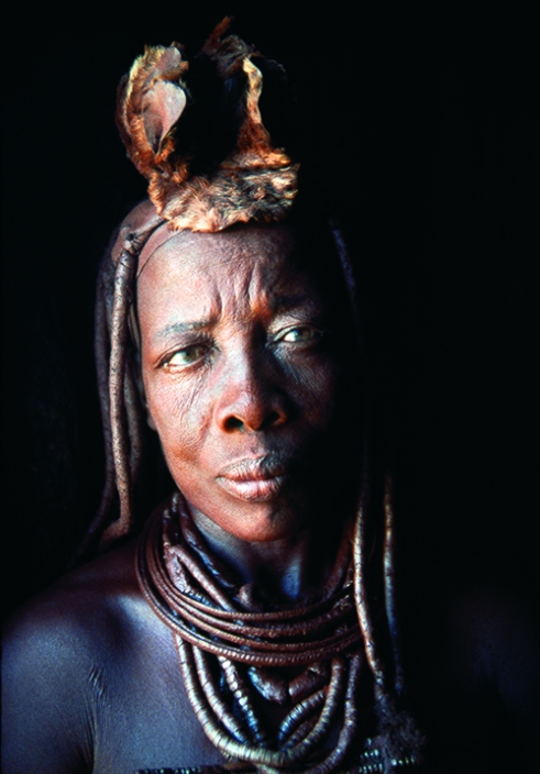 Portrait of Vuaanderua, the Headman's niece. Etanga, Kunene North Region, Namibia, 2000