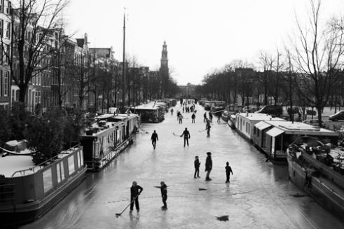 Ice skating Prinsengracht, Amsterdam