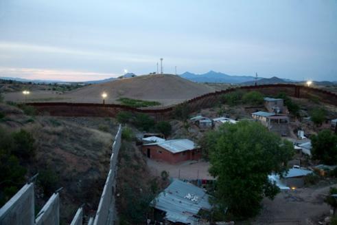 Muro fronterizo entre México y USA, en Nogales (Sonora)