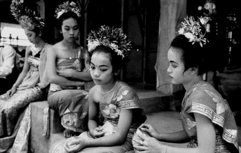 Young dancers Ubud, Bal, Indonesia