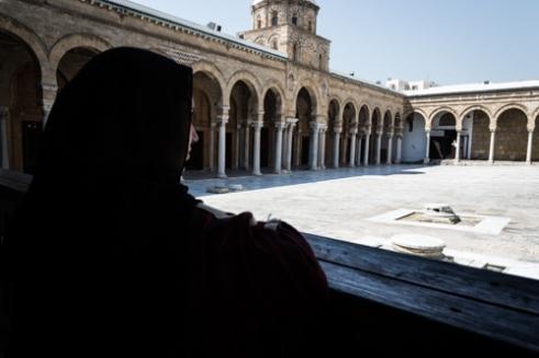 A woman in the Al-Zaytūna Mosque TUNIS