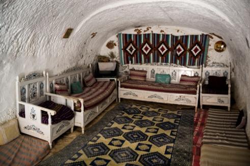 Living room of an underground troglodyte home. MATMATA
