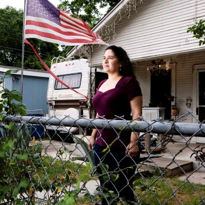Betty Kilbrigh, 38 years old, Austin, Texas She joined the military in 1989. Betty specializes in military transport; she drove jeeps, trailer trucks, trucks and heavy equipment transporters. She was deployed in a base on Saudi Arabia closed to the Iranian border, where she was raped. She says: Sexual harassment is a constant practice, if they didn't respect us at the base, how could they respect us and protect us in the battle field?