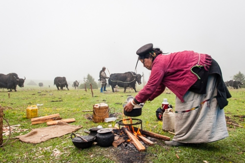 A very hospitable people, drinking butter tea is a regular part of life and is always served to guests. Since yak butter is the main ingredient, it provides plenty of calories and the herders are often said to drink more than thirty cups a day.