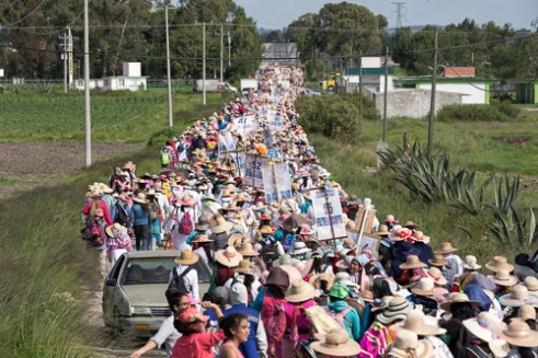 A wave of 20,000 women arriving to Polotitlan in the State of Mexico.