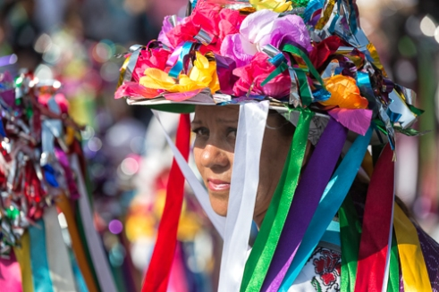 At the rhythm of violin and drum women from Amealco enter the Basilica in a traditional dress.