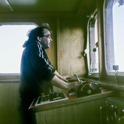 Micheal Leslie, skippering the Keila.