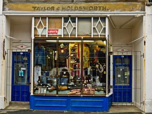 'Taylor's' a locally famous jeans & boots shop where I used to buy my Levis in the late 70s , closed this time though.. do they still do Wednesday closing?..