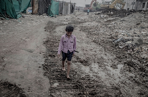 The Walk Down . The communities that have developed around these regions are the most overlooked and neglected people, both by civic bodies and other organisations. Most of them spend their lives amidst the filth and poverty. Mumbai,india