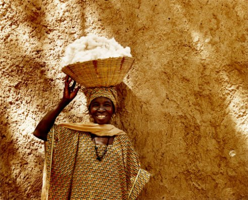 Lady with fairtrade cotton Kita, Mali