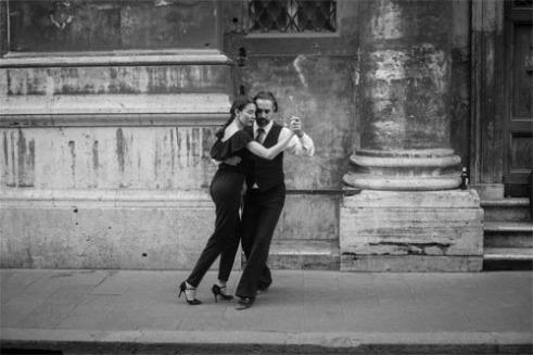 Dancers Via Del Corso, Roma
